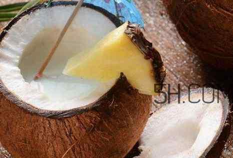 椰子功效 椰子有什么美容功效 女人用椰子有什么好处