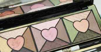 too faced too faced爱心眼影盘试色 too faced love眼影盘试色图
